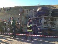 Şamaxıda dəhşətli yol-qəza hadisəsi baş verib, 6 nəfər ölüb (FOTO) - Gallery Thumbnail