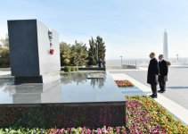 President Ilham Aliyev reviewed the ongoing reconstruction work in park in Sumgayit - Gallery Thumbnail