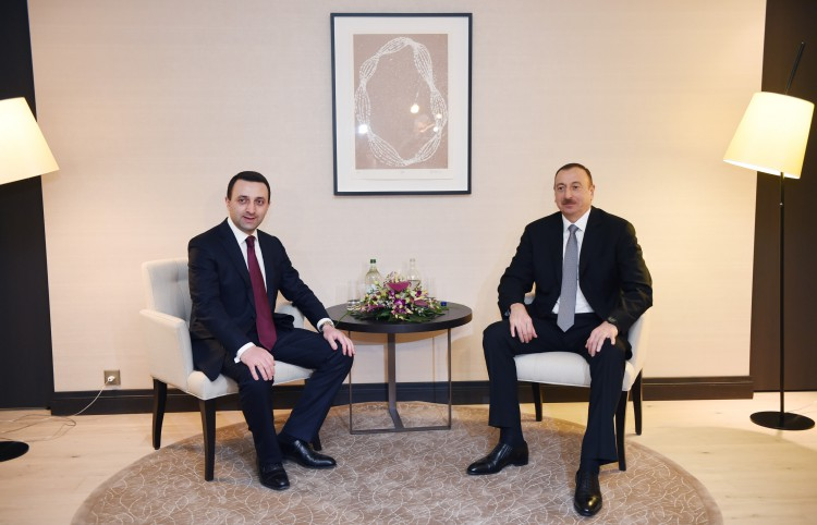 President Ilham Aliyev meets Georgian PM, discusses energy projects (PHOTO)