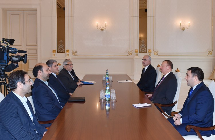 President Aliyev receives Iranian minister of economic affairs and finance