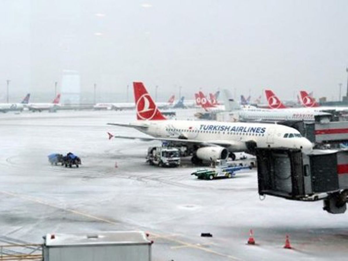Over 330 flights cancelled as heavy snow hits Turkey