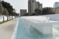 President Aliyev reviews newly-built fountain and waterfall complex in Baku - Gallery Thumbnail