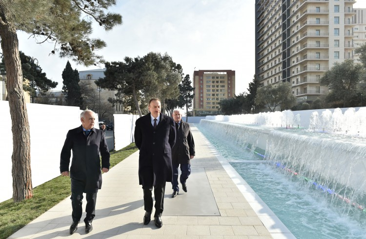 President Aliyev reviews newly-built fountain and waterfall complex in Baku