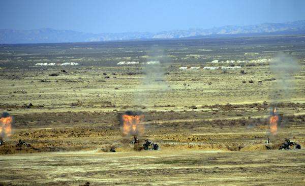 В рамках учений ВС Азербайджана был осуществлен пуск ракет (ФОТО) - Gallery Image
