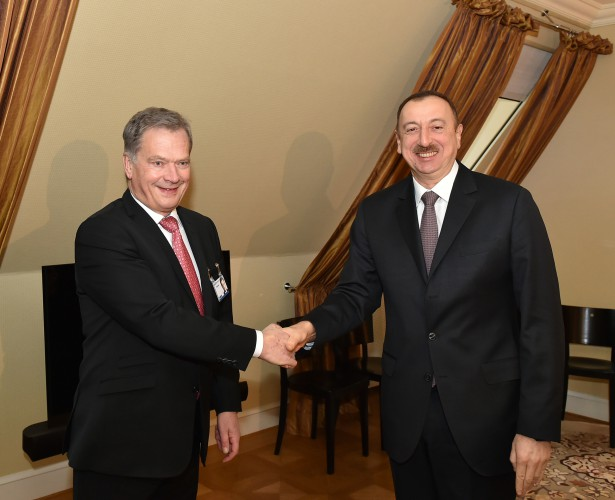 President Aliyev meets with president of Finland in Munich (PHOTO)