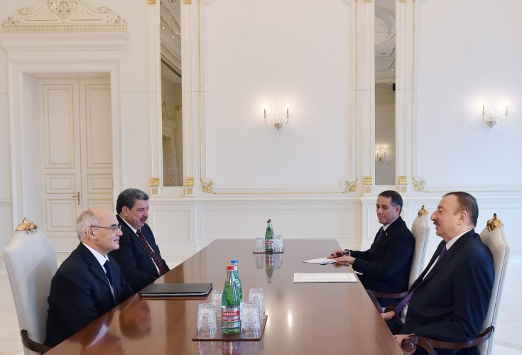 Azerbaijani president, Algeria's minister discuss co-op in energy field - Gallery Image