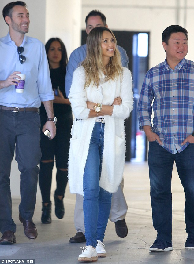 Jessica Alba looks thrilled to be surveying a possible location for her First Honest company store (PHOTO) - Gallery Image