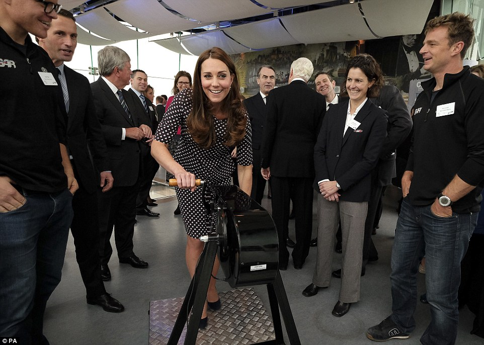 The Duchess of Cambridge wore a nautical-inspired dress for her visit to Portsmouth (PHOTO)