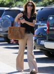 Supermodel Cindy Crawford is effortlessly chic in wide-leg trousers while running errands (PHOTO) - Gallery Thumbnail