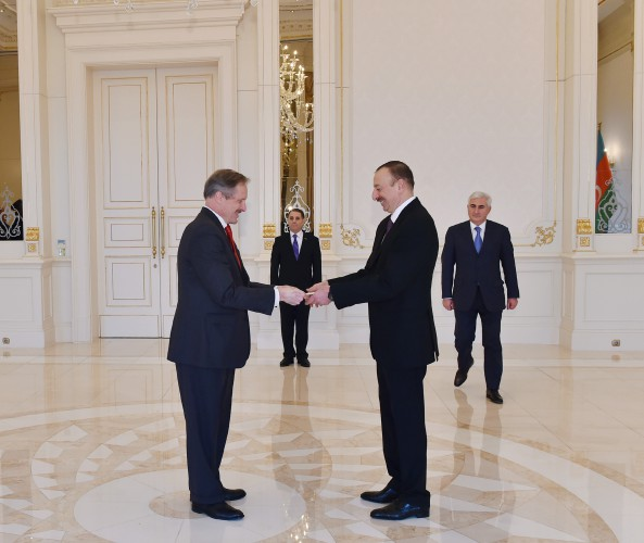 President Ilham Aliyev receives credentials of newly appointed US ambassador - Gallery Image