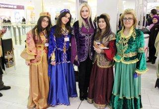 Праздник национального костюма в Баку -  ярмарка путешествий (ФОТО)