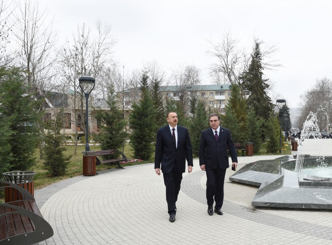 President Ilham Aliyev reviews conditions created at Friendship Park in Mingachevir