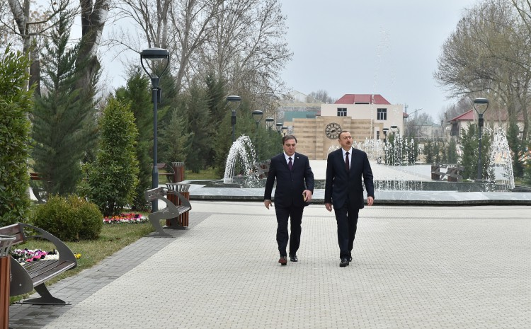 President Ilham Aliyev reviews conditions created at Friendship Park in Mingachevir - Gallery Image