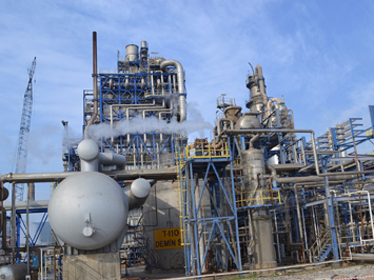 Kazakh oil refinery malfunction leads to big budget losses