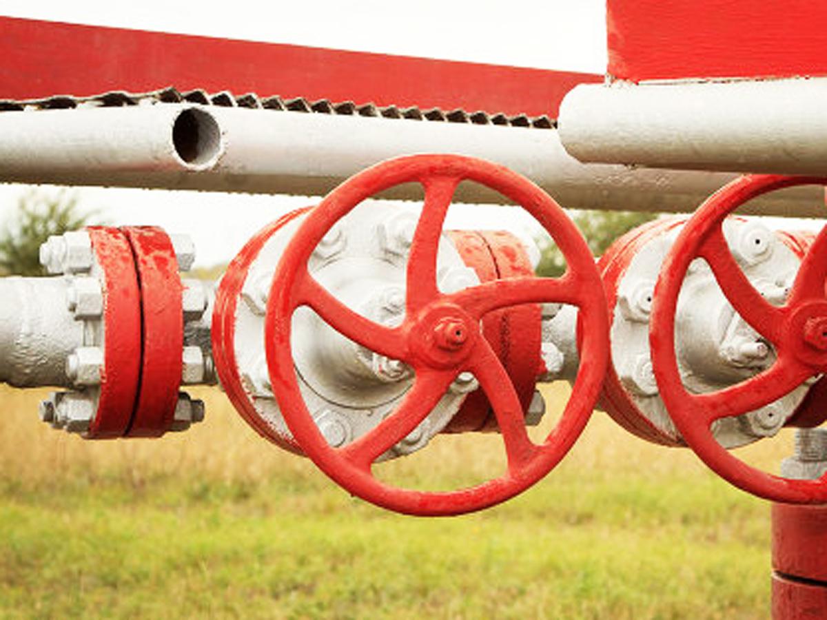 Греция призывает ускорить реализацию проектов поставок азербайджанского газа в Европу