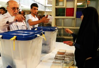 Iran discloses number of stationary polling stations during ongoing parliamentary elections