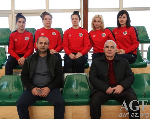 Gənc qadın güləşçilərimiz AÇ-2015-də medal qazanmağa çalışacaqlar