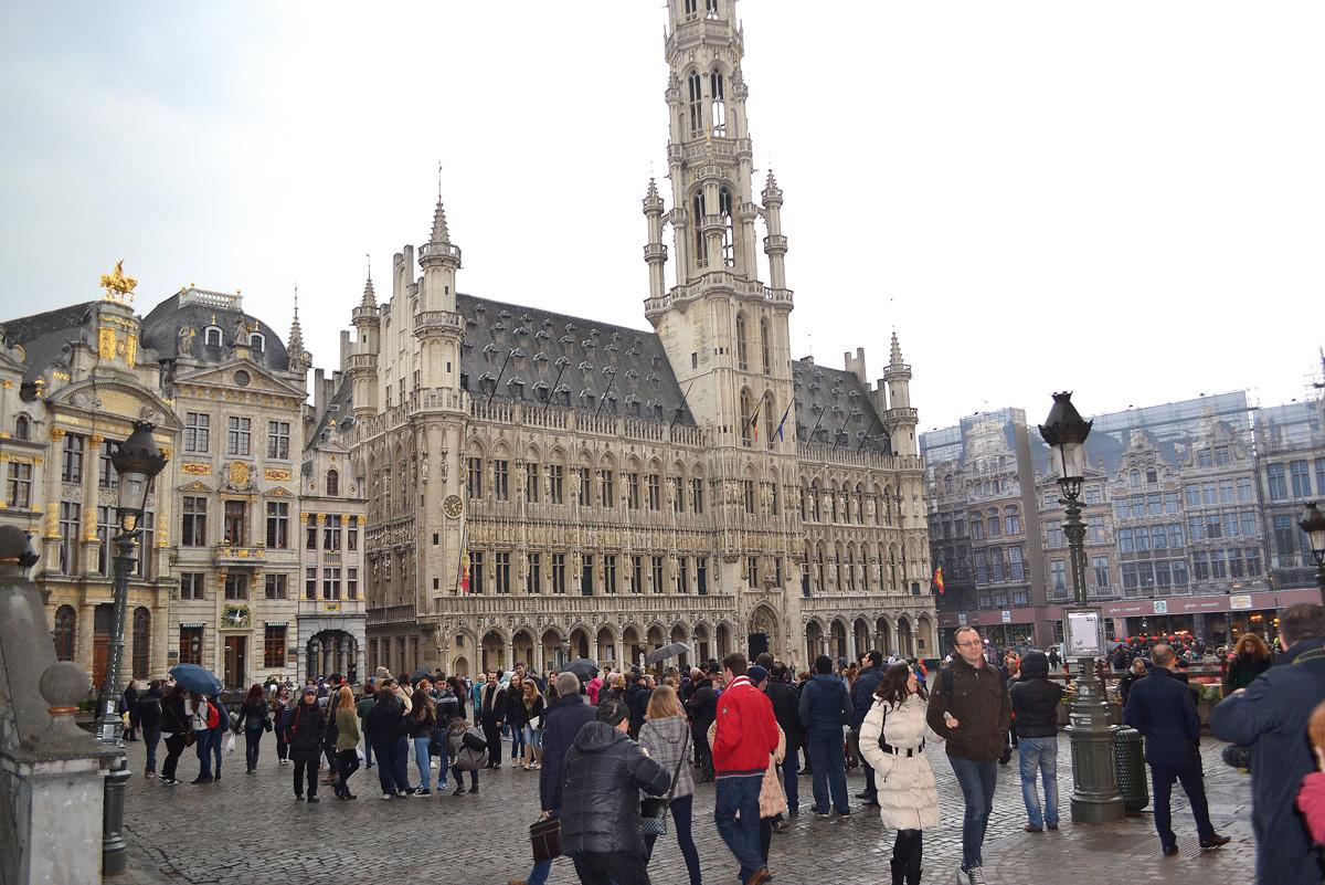 Brüsseldə ictimai nəqliyyat dayandı - SƏBƏB tətil