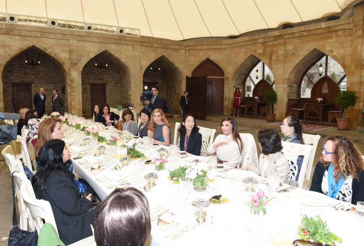 Dinner reception hosted on behalf of Mehriban Aliyeva in honour of spouses of participants of ADB Governors' 48th Annual Meeting