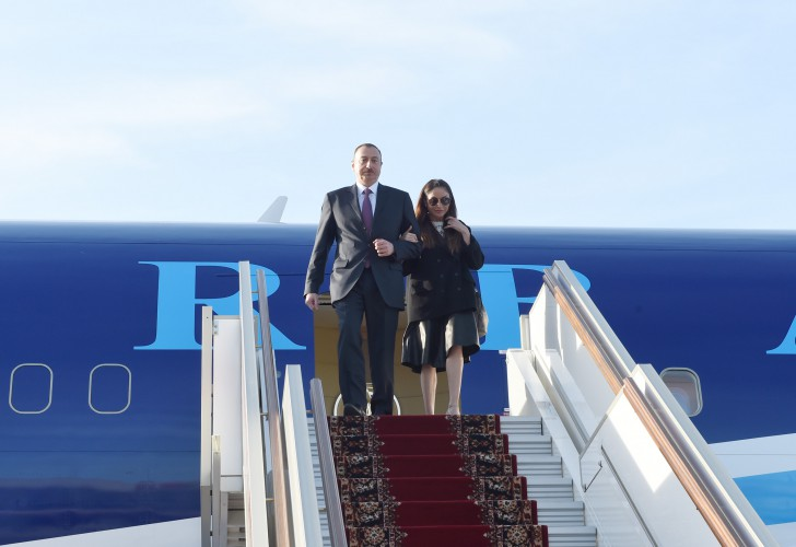 President Ilham Aliyev and his spouse arrive in Russia on working visit - Gallery Image