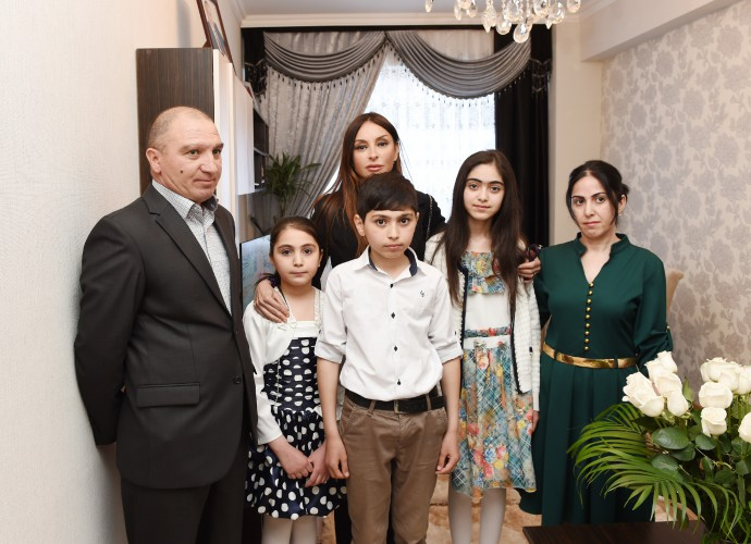 Azerbaijan's first lady Mehriban Aliyeva attends opening of building for IDP families in Khirdalan (PHOTO)