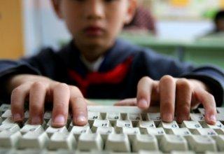 В Баку состоялась просветительская промоакция на тему детского Интернета