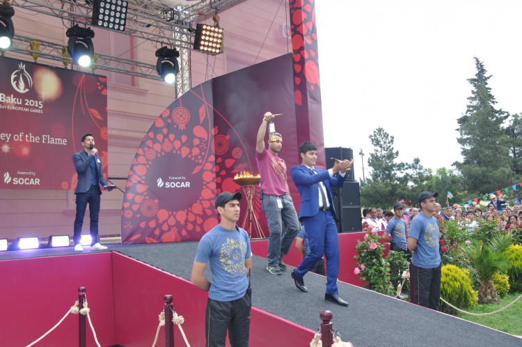 Azerbaijan's Zardab welcomes torch of European Games (PHOTO) - Gallery Image