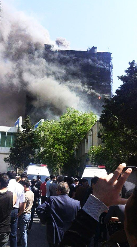 Massive fire erupts in residential building in Baku (UPDATE) (PHOTO,VIDEO) - Gallery Image