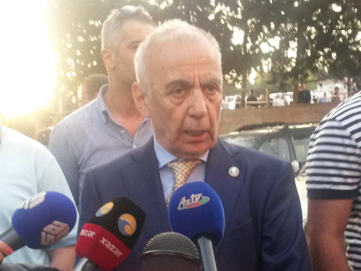 Azerbaijani president gives 2 days for quality control of buildings' cladding in Baku