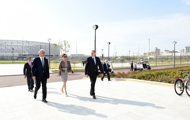 Azerbaijani president and his spouse attend opening of Boyukshor boulevard and park (PHOTO)