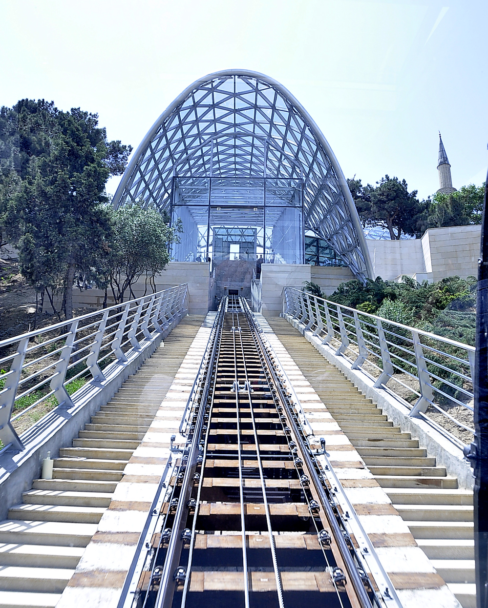 Baku's funicular waiting for tourists (PHOTO) - Gallery Image