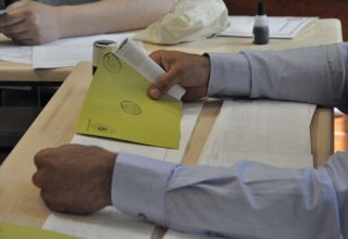 Turkish citizen in Azerbaijan voting at repeated parliamentary election