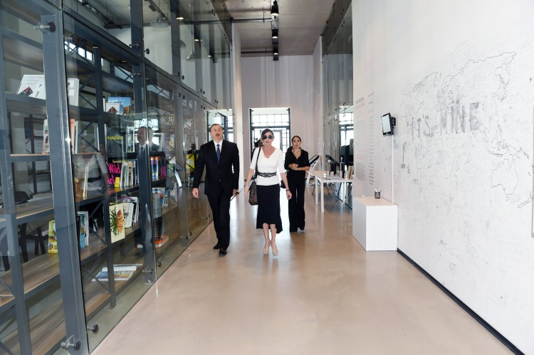 President Ilham Aliyev, his spouse review first permanent place of YARAT Contemporary Art Center (PHOTO) - Gallery Image