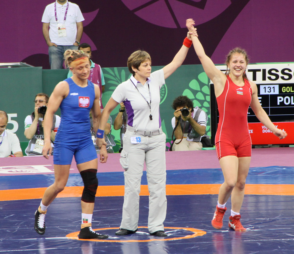 Azerbaijan grabs another gold medal in women's wrestling at Baku 2015 (VIDEO) (PHOTO)