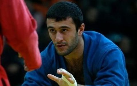 Three Azerbaijani sambo wrestlers advance to finals at Baku 2015 (UPDATE 2)