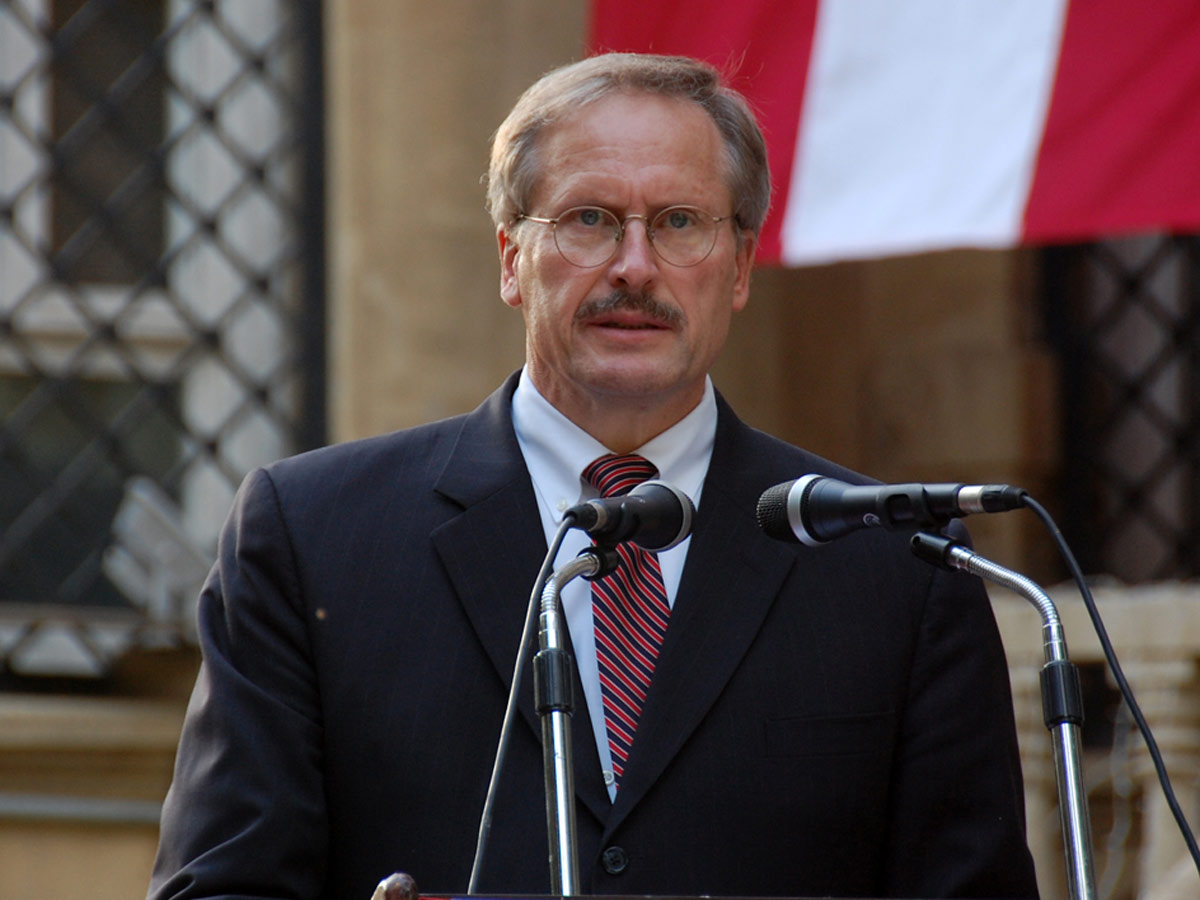 US envoy: Azerbaijan, Armenia need to adhere to ceasefire