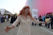 """Heydər Əliyev Fondu """"Milan Expo 2015""""də Azərbaycan """"Milli Gün""""ü çərçivəsində konsert proqramı təşkil edib (FOTO) - Gallery Thumbnail"""