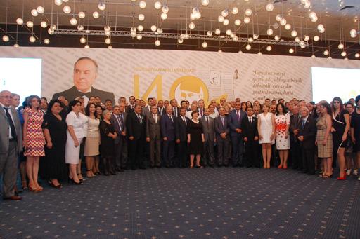 Вручены награды представителям СМИ, награжденным по распоряжению Президента Ильхама Алиева (ФОТО) - Gallery Image