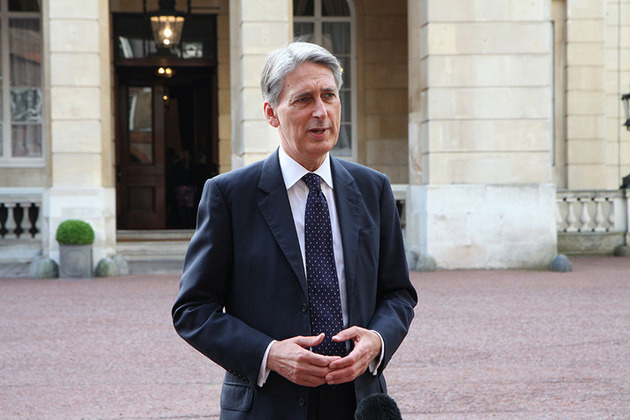 Hammond tells China that Britain committed to free trade