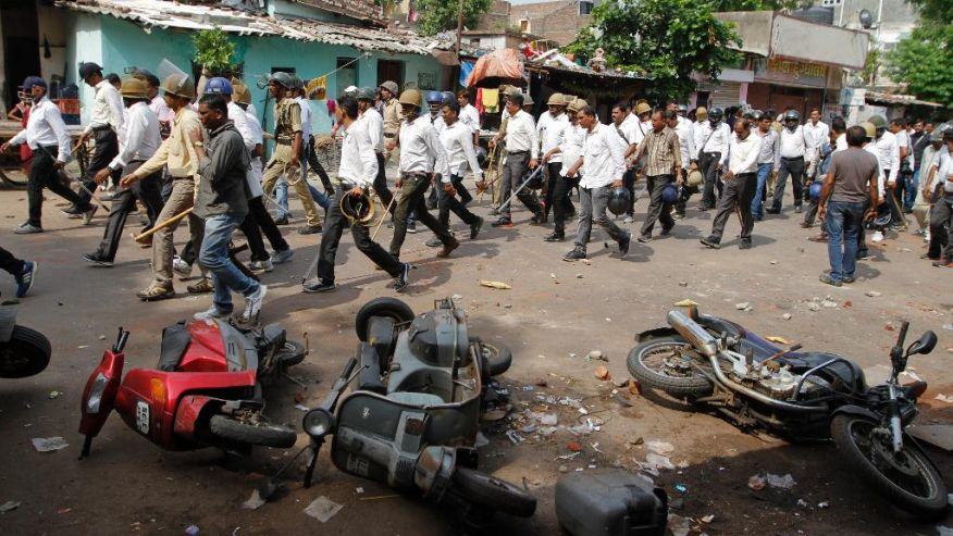 5 killed in clashes in western Indian state
