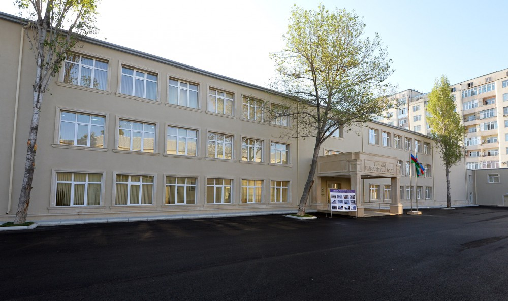 Azerbaijani president reviews Technical and Humanitarian Lyceum after repair - Gallery Image