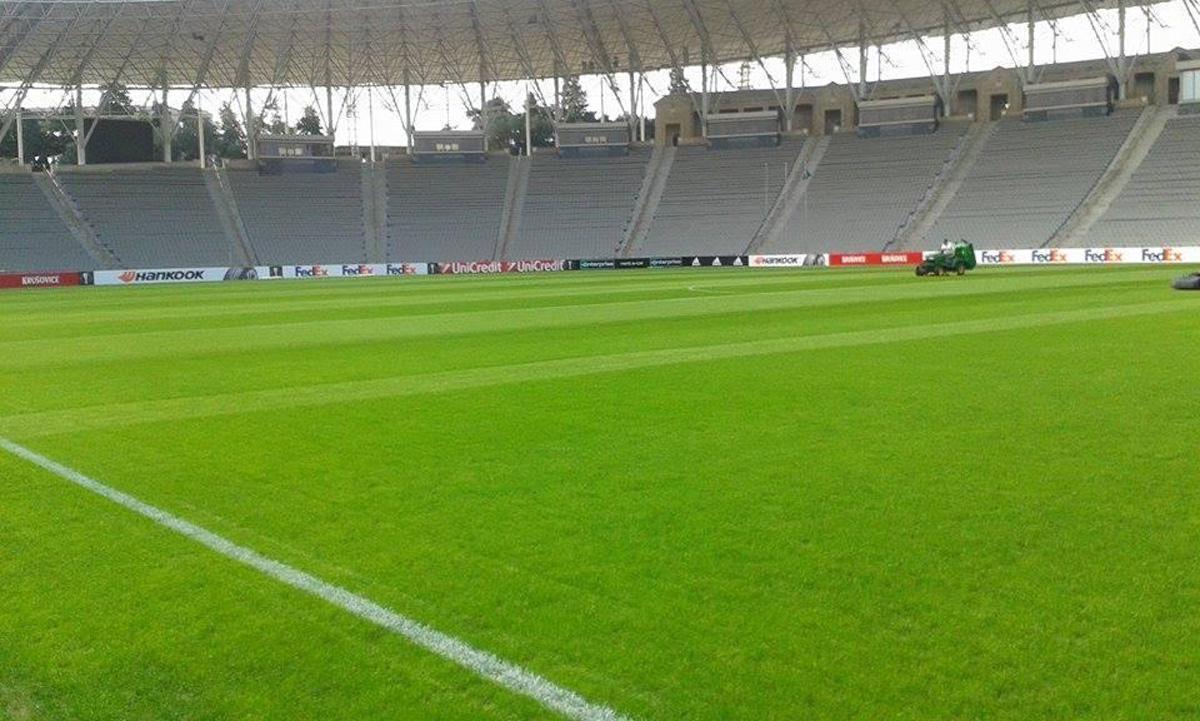 Respublika stadionunun ot örtüyü nəhayət ki düzəldi (FOTO) - Gallery Image