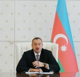 Azerbaijani president chairs Cabinet of Ministers' meeting on first nine months of 2015 - Gallery Thumbnail