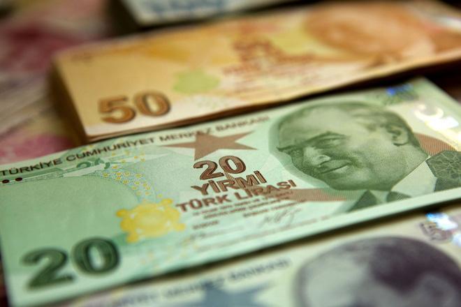 Azerbaycan'da dolar ve avro değer kazandı, TL değer kaybetti