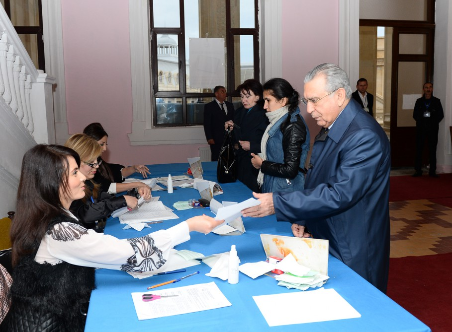 Absence of some foreign observers at Azerbaijani election – obvious example of double standards (VIDEO)