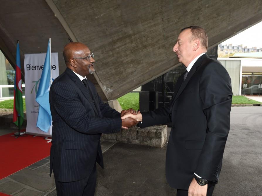 Prezident İlham Əliyev və xanımı UNESCO Baş Konfransının 38-ci sessiyasının Liderlər Forumunda iştirak ediblər (FOTO) - Gallery Image