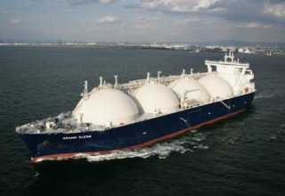 Iran prefers to export LNG to distant markets