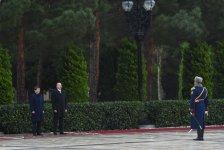 В Баку состоялась церемония официальной встречи премьера Турции (ФОТО) - Gallery Thumbnail