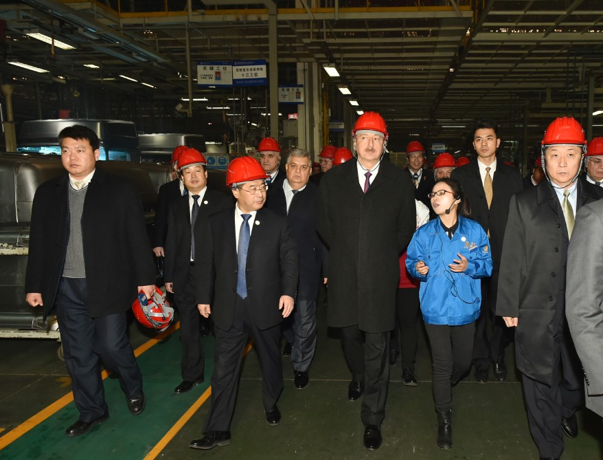 President Aliyev visits Shaanxi Automobile Group in Xian (PHOTO)