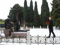 Azerbaijani president pays tribute to national leader Heydar Aliyev - Gallery Thumbnail